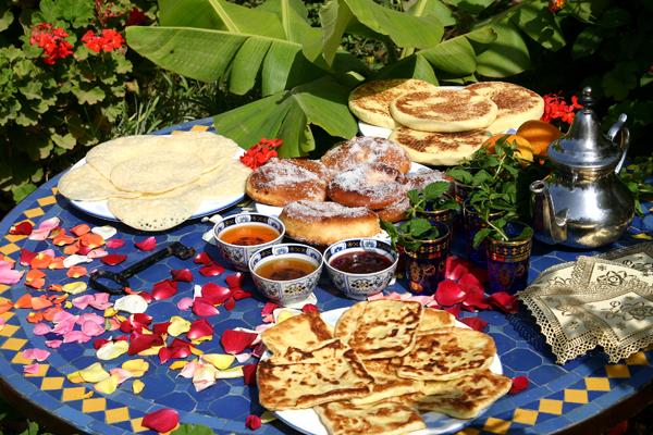 http://www.fondationsud.org/images/cuisine-marocaine-1.jpg